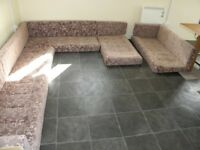£40 set of static caravan lounge and kitchen seating from a static caravan 28ft by 10ft,