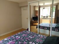 Double bedroom, very close to stockell station