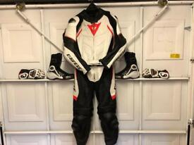 Dianese 2 piece T Avro D1 leathers, boots & gloves
