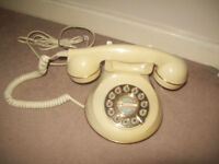 cream vintage style push button/dial land line telephone good cond