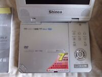Shinco Portable DVD Player with 7 inch TFT Moniter and carrying case