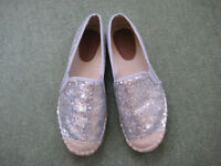 BRAND NEW 'DIVINE' SIZE 38 SLIP ON SILVER SEQUIN SHOES LOAFERS
