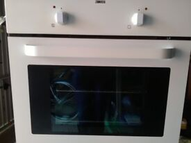 ZANUSSI single oven integrated professionally cleaned