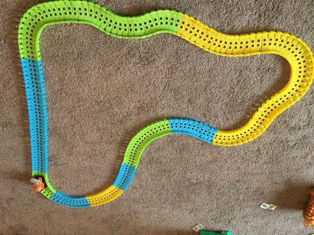 Car Track grow & play flexible track