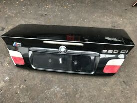 03 BMW CONVERTIBLE TAILGATE BLACK GOOD CONDITION