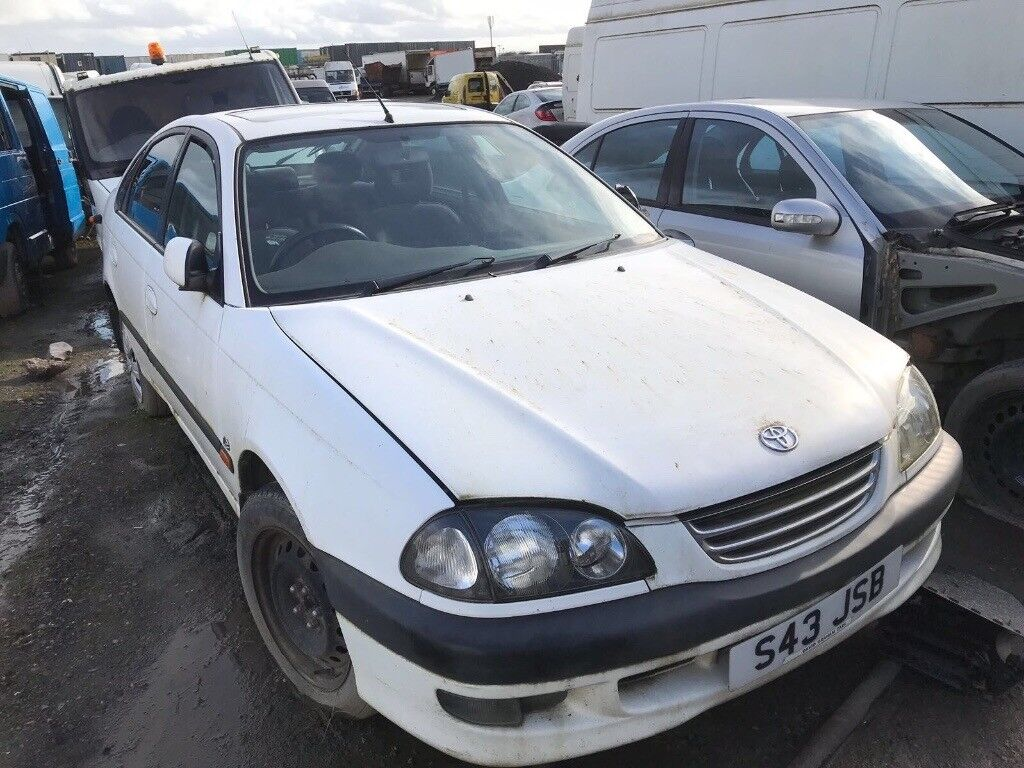 Toyota Avensis 1.8 automatic 2001 year spare parts available