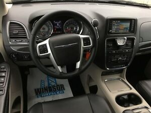 2016 Chrysler Town & Country Touring Windsor Region Ontario image 13