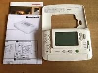 Honeywell CM907 Programmable Thermostat (fully functioning)