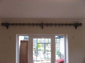 Hunter & Hyland curtain rail.