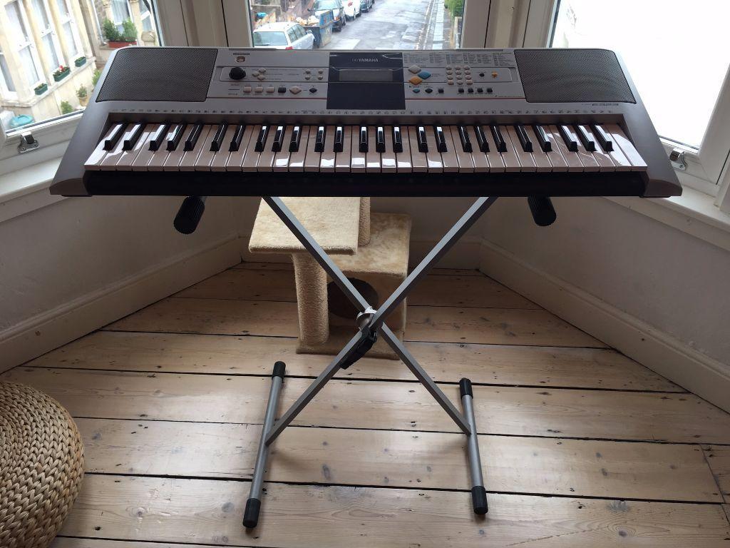 yamaha psr e323 keyboard stand in bath somerset gumtree. Black Bedroom Furniture Sets. Home Design Ideas