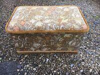 Vintage blanket box / ottoman