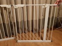 Mothercare pressure fit safety baby gate