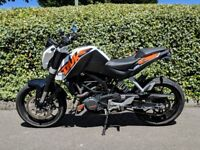 KTM Duke 200cc, White