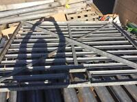 Palisade Fencing - 2m Height - 2.5m Width - With Gate - 7 Pieces