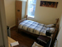 GREAT ROOMS FULLY FURNISHED WITH WIFI, BY WALSALL TOWN AND SUPERB FOR AMENITIES LOCALLY...