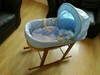 KinderValley Moses Basket with Rocking stand