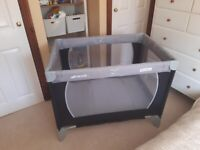 TRAVEL COT- Hauck PlaynRelax as new -excellent condition.