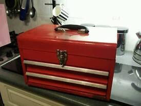 Stron box tool box..self locking draws..