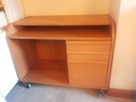 Desk table for immediate sale contact immediately in 5 days negotiable