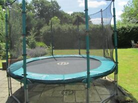 Trampoline TP 10ft with net in good condition