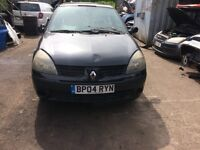 2004 Renault clio extreme 3 16v 3 dr hatchback 1.2l black BREAKING FOR SPARES