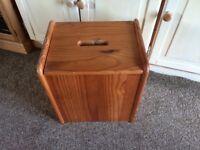Pine storage box with lid