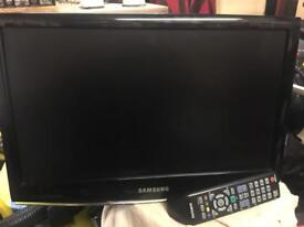 "Samsung 19"" wide screen tv/monitor worh wall Bracket"