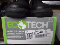 A pair of work safety boots, size 7