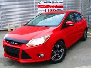 2014 Ford Focus SE 62000 km toit ouvrant  bluetooth