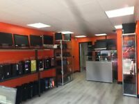 RETAIL SHOP TO LET FULLY FITTED SHIUTTER PAINTED READY TO MOVE IN