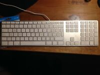 Official Apple Keyboard with Numeric - LIKE NEW