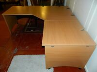 Used large corner desk GREAT CONDITION