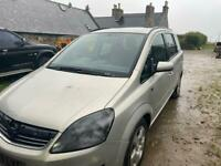 Vauxhall zafira 7 seater. Short mot
