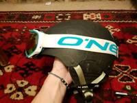 Anon Raider snowboard/ helmet