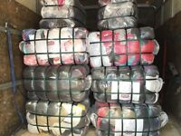 Second hand clothes mix grade A in Bags and bales