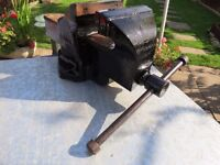 bench vice (heavy duty)made in England