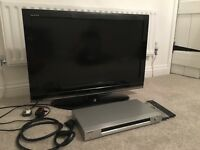 "32"" TV and DVD player"