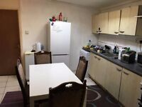 bright single room to let @ e16 3dz bills inclusive zone 3 close to prince regent DLR available now!
