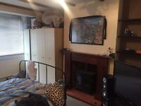 Nice double room to let for 1person 125pw or 2 people 150pw