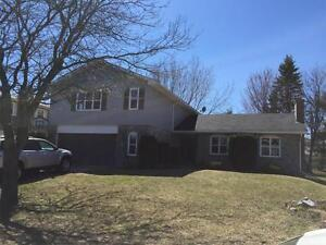 35 GRINDSTONE - RIVERVIEW - 4 BEDROOM HOME - GREAT LOCATION
