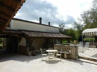 380m2 charming house on stunning spot near Cognac,ind.60m2 cottage,barn,original water mill