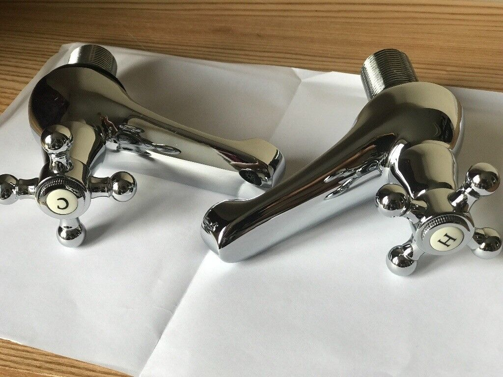 New Pinewood traditional crosshead basin, bath & sink pillar taps in Chrome