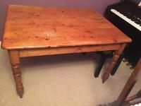 Antique pine kitchen table & 4 Oak farmhouse chairs 87 x 120 x 70