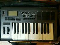 M-Audio Axiom 25 Advanced 25-Key Semi-Weighted USB MIDI Controller