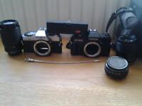 2 cameras old film cameras, 3 interchangeable lenses and case
