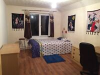 (Student Only) Just £14 a day!!Super Central Location, Right next to Edinburgh University.
