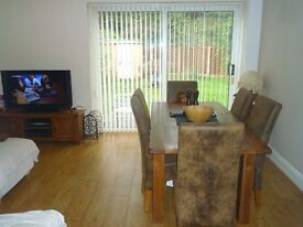 Double Room in a Spacious town House