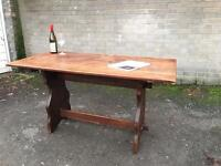 GENUINE VINTAGE SOLID WOOD DINNING TABLE FREE DELIVERY 🇬🇧