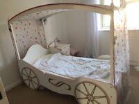Girls princess carriage single bed