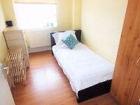 LARGE SINGLE ROOM 5 MINS WALK TO WOOD GREEN STATION ZONE 3 *ALL INCLUSIVE*